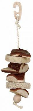 Závěsná hračka z přírodního dřeva a lufou 33cm